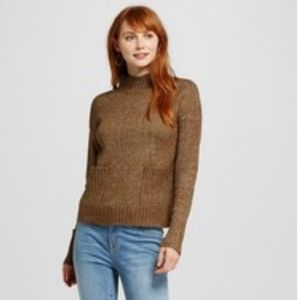 Mock neck sweater with pockets